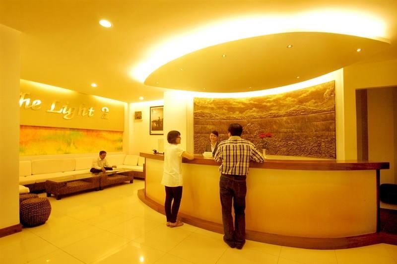 Khách sạn The Light 2 Nha Trang ***